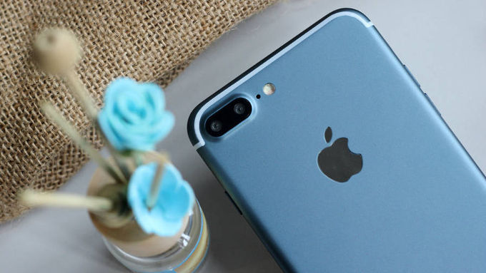 iPhone7PlusDeepBlue_w_680