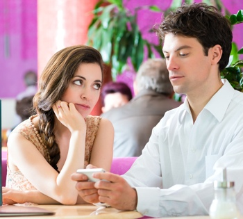smartphone-during-date